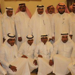 رئيس وأعضاء جمعية البر الخيرية بأحد المسارحة يقفون على إستعداد الجمعية لأسبوع المرور الخليجي الموحد